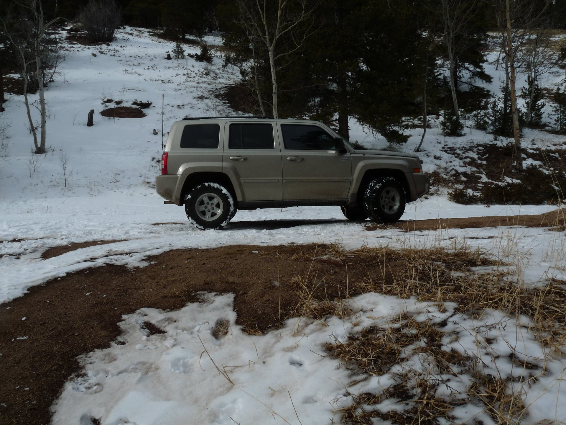 DIY Spacer Lift Kit w/ STUCoils - Installed | Jeep Patriot Forums